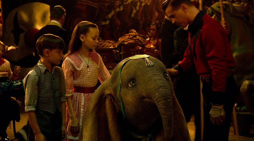 фильм Disney дамбо растрогал и порадовал первых зрителей