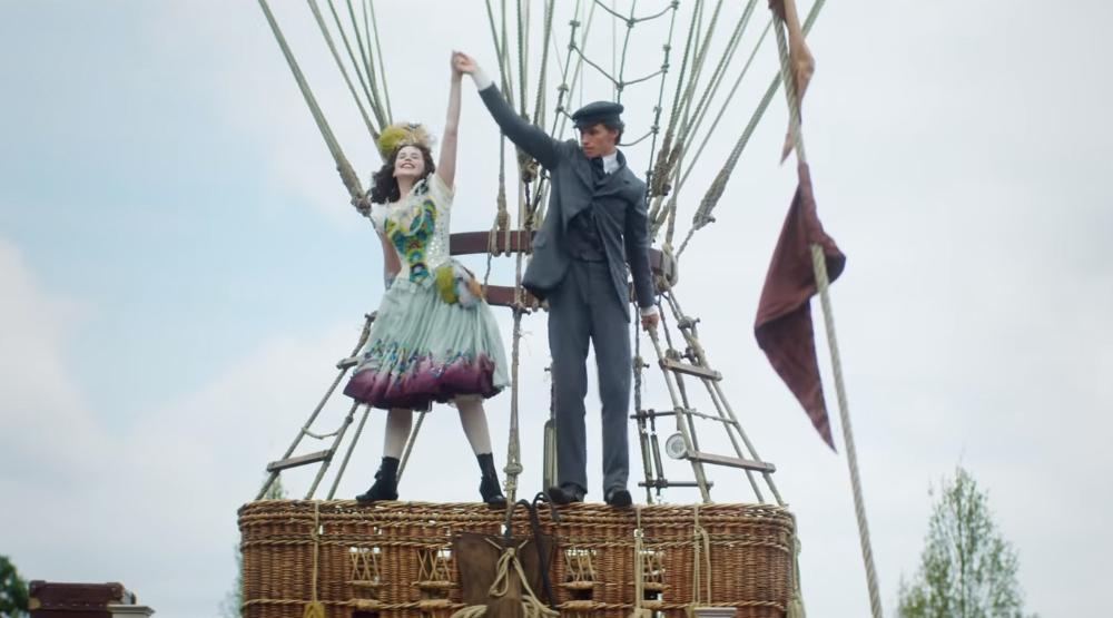 Эдди Редмэйн и Фелисити Джонс покоряют высоту в новом трейлере ...