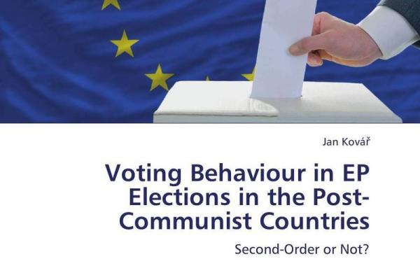 voting behaviour at uk elections essay Voting behaviourvoting behaviour used to be easy to determine class alignment provided britain with stable voting patterns, whereby the the deciding factor in voting behaviour was social class in 1960s this is called class alignment most of people were loyal to one party, based on their class.