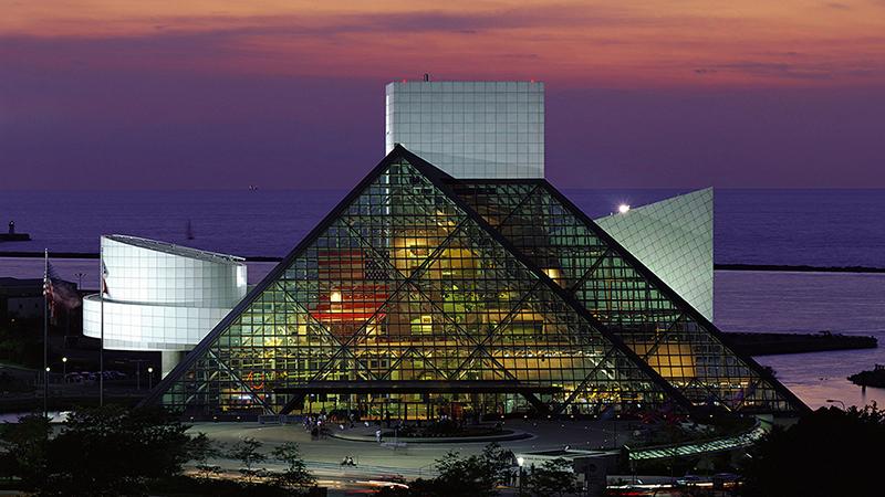 Зал славы рок-н-ролла, Кливленд. Фото: 10awesome.com