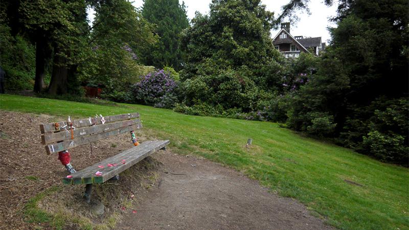 Скамейка в парке Курта Кобейна. Фото: Pinterest